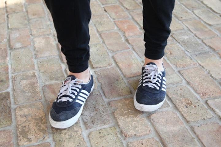Black-pants-sneakers