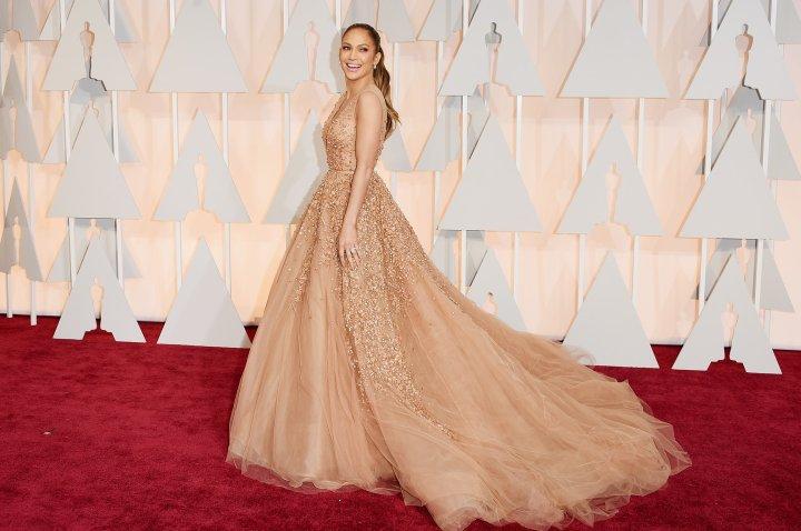 Jennifer-Lopez-Elie-Saab-2015-Oscars